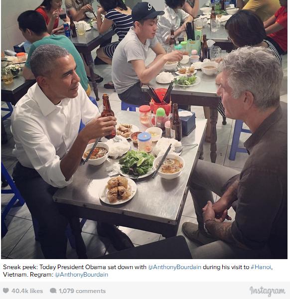 Bức ảnh ăn tối tại quán bún chả của Tổng thống Obama nhận được nhiều lượt Thích trên Instagram. (Ảnh: Washington Post)