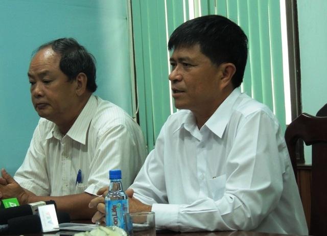 Ông Nguyễn Văn Hiếu (bên phải) - Phó Giám đốc Sở GD-ĐT TPHCM. (Ảnh: Hoài Nam)