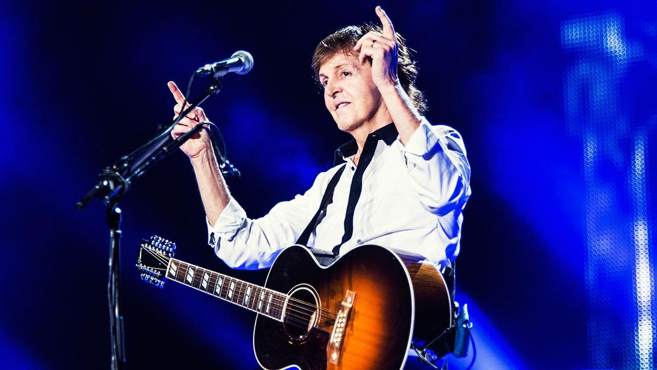 """Cựu thành viên nhóm The Beatles, Paul McCartney đứng thứ 9 trong danh sách những ngôi sao """"bội thu"""" nhất mùa hè năm 2016"""
