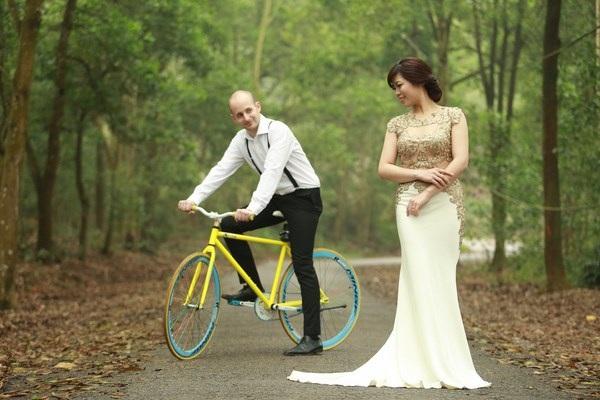 Vợ chồng trẻ quyết định sẽ đi qua 11 quốc gia – các vùng đất trồng trà nổi tiếng từ Hungary về Việt Nam bằng xe đạp trong 1 năm tới.