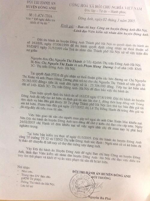 Văn bản đề nghị khởi tố vụ án được Chi cục thi hành án huyện Đông Anh gửi Công an huyện Đông Anh từ năm 2005.