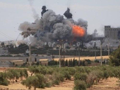 Quân đội Mỹ yểm trợ mạnh mẽ cho SDF trong chiến dịch đánh chiếm thành phố Manbij ở phía bắc Syria
