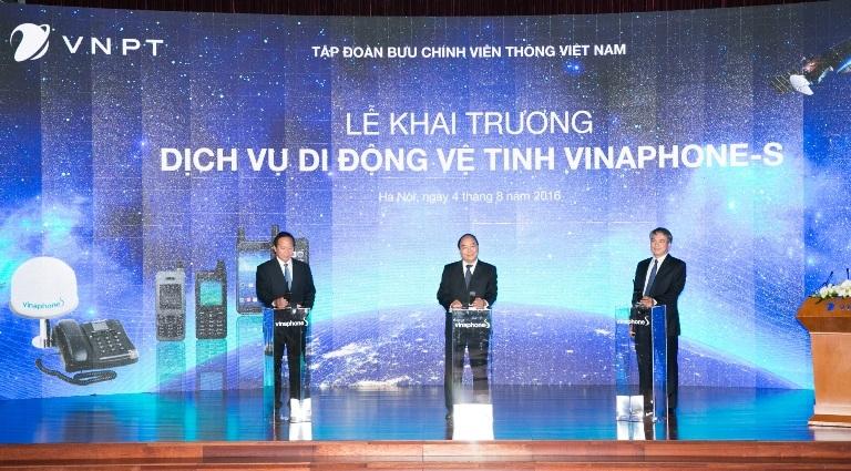 Thủ tướng nhấn nút khai trương dịch vụ vệ tinh VinaPhone-S