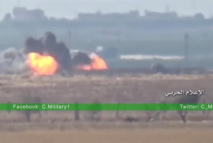 Quân đội Syria phục kích đoàn xe chở phiến quân (Ảnh cắt từ clip)