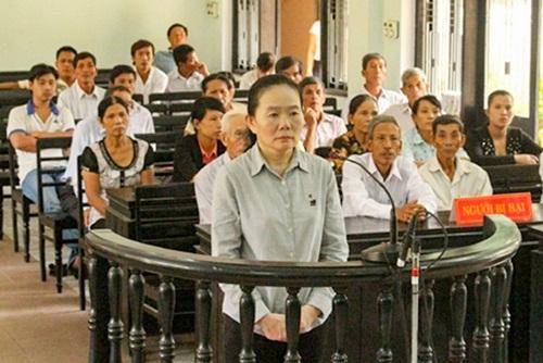 Một đối tượng lừa đảo xuất khẩu lao động bị đưa ra xét xử.