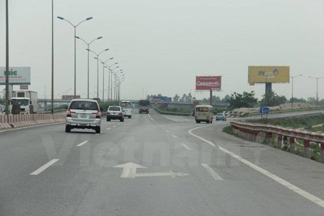 Phương tiện lưu thông trên tuyến đường cao tốc Pháp Vân-Cầu Giẽ. (Ảnh: Việt Hùng/Vietnam+)