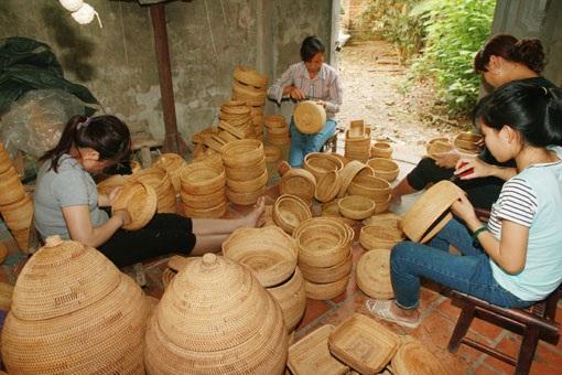 Công tác đào tạo nghề cho lao động nông thôn hiện chưa sát với nhu cầu. Ảnh: Thái Hiền