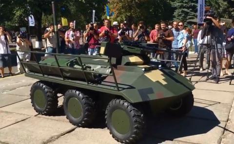 Ukraine giới thiệu robot Phantom.
