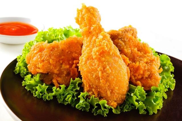 Trướng bụng, viêm gan chỉ vì thức ăn nhanh - 1