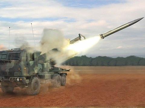 Mỹ phát triển tên lửa chiến thuật mới, đối trọng với Iskander của Nga - 1