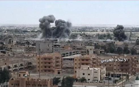 Vụ không kích nhầm của Mỹ vào khu vực của binh sĩ Syria tại Deir ez-Zor đã khiến 62 binh sĩ thiệt mạng. Ảnh: RT