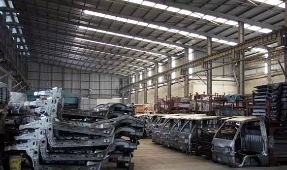 Nhà máy ôtô ngàn tỷ bán sắt vụn: Đại gia sạt nghiệp - 1