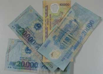 Chỉ tiết kiệm những đồng tiền lẻ 10.000-20.000 đồng mà sau hơn 5 năm, chị Hường đã có trong tay cuốn sổ tiết kiệm 400 triệu đồng
