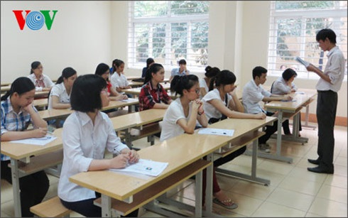 Nhiều ý kiến trái chiều đang được đưa ra trước đề xuất sẽ đưa việc học tiếng Nga, tiếng Trung vào các trường phổ thông của Bộ Giáo dục và Đào tạo.