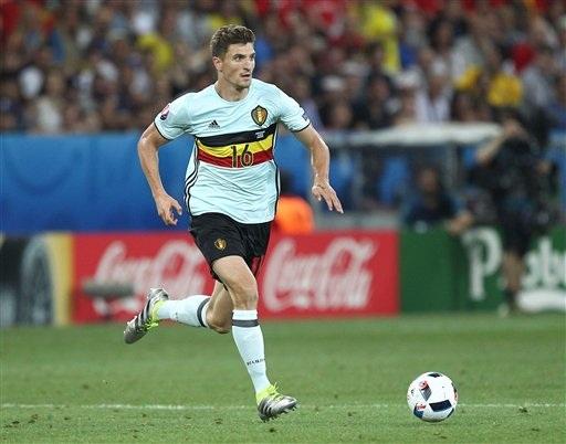 PSG đã hoàn tất thủ tục chuyển nhượng Thomas Meunier