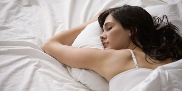 Lý do phụ nữ cần ngủ nhiều hơn nam giới - 1