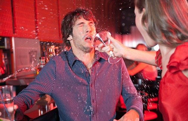 """Rượu chè là một """"nhân tố đáng gờm"""" trong kì nghỉ"""