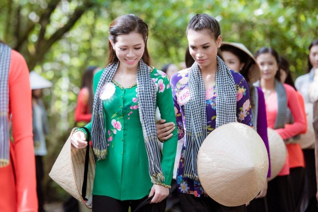 Thí sinh Hoa hậu Việt Nam 2016 gặp sự cố khi thăm đảo khỉ - 2