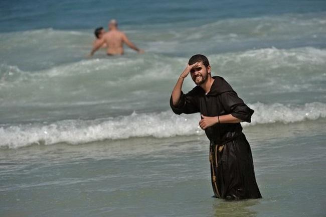 """""""Chộp"""" những hình ảnh """"hiếm thấy"""" trên bãi biển - 2"""