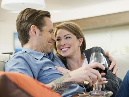 Thưởng thức hơi men làm tăng mức độ hài lòng giữa vợ và chồng
