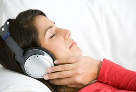 Nghe nhạc có tác dụng hỗ trợ điều trị cho bệnh nhân ung thư - 1