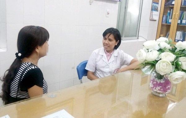 Chị Thanh chia sẻ về những chuyển biến tích cực của con gái với BS Đào Thị Việt Dung