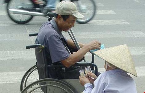 Ninh Thuận phạt oan người bán vé số dạo!   Báo Dân trí