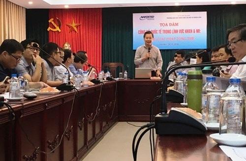 PGS.TS Phạm Quang Minh - Hiệu trưởng Trường ĐHKHXH&NV phát biểu tại buổi tọa đàm
