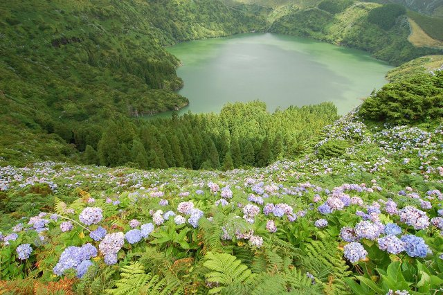 Những hòn đảo đẹp không tưởng ở châu Âu - 10