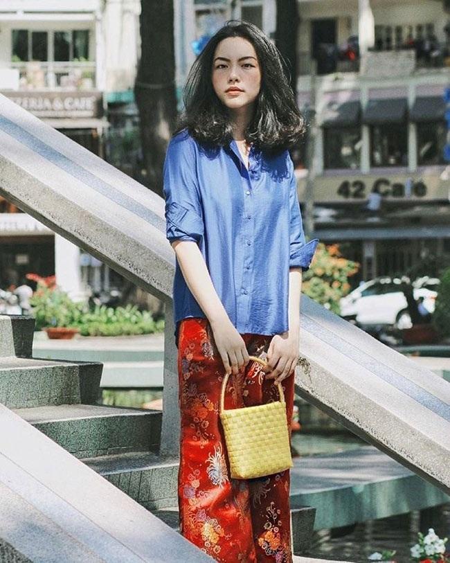 Cô gái Sài thành cho hay, đôi khi cô còn được so sánh với Hạ Vi, Lan Khuê, Kỳ Duyên, Trương Thiên Lý...