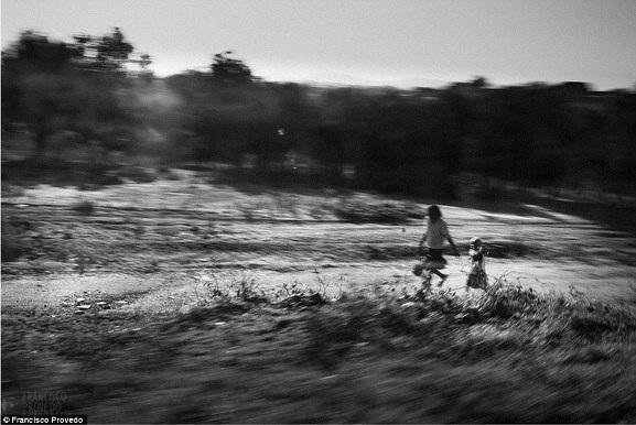 Rung động với những bức ảnh vùng nông thôn Kenya - 11