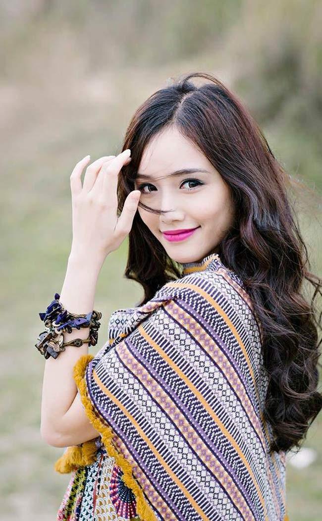Ngân Búng (tên thật Trương Kim Ngân, sinh năm 1993) là cái tên không còn xa lạ với giới trẻ Hà thành.