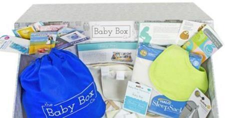 Nhu yếu phẩm kèm theo trong hộp khiến nhiều bà mẹ ngạc nhiên