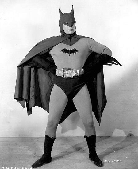 """Người dơi, siêu anh hùng """"nhẵn mặt"""" với điện ảnh - 2"""