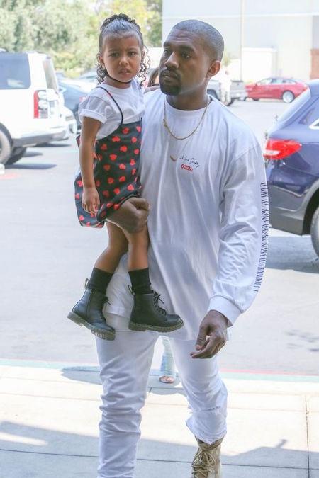 Kanye West muốn vợ dành nhiều thời gian hơn cho các con