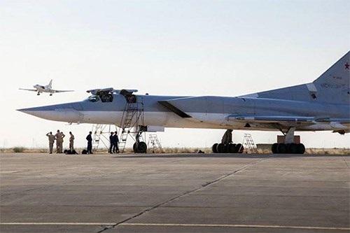 Nhóm Không quân Nga triển khai tại căn cứ Hamedan. Ảnh: Rian.