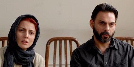 """Đây chính là bộ phim đầu tiên trong lịch sử điện ảnh Iran giành giải Oscar cho Phim nói tiếng nước ngoài hay nhất. Chuyện phim đơn giản nhưng đầy chiều sâu, được đặt trong bối cảnh phức tạp của chính trị, tôn giáo, xã hội Iran hiện đại, """"A separation"""" chứa đựng nhiều tầng suy nghĩ và thấm đẫm sự đồng cảm dành cho người xem ở bất cứ nơi đâu trên thế giới."""