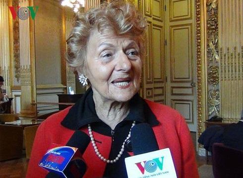 Thượng nghị sỹ Hélène Luc