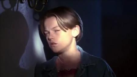 """Bộ phim đầu tiên trên màn ảnh rộng của Leonardo DiCaprio là tác phẩm điện ảnh kinh dị """"Critters 3"""" (1991), cũng trong năm đó, Leonardo còn tham gia series phim truyền hình """"Growing pains"""""""