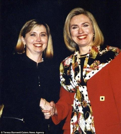 Bức ảnh 2 người phụ nữ chụp chung vào năm 1996