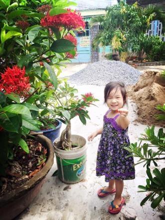 Nhờ trải nghiệm thiên nhiên nên Cherry học được nhiều điều thú vị ở thế giới xung quanh