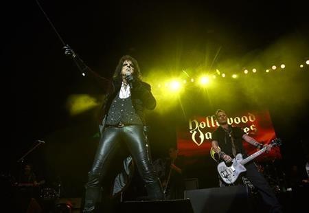 Alice Cooper cho biết Johnny Depp luôn rất chuyên nghiệp khi trình diễn