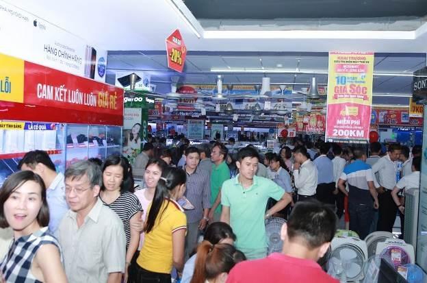 Đua mở siêu thị điện máy mới thu hút người tiêu dùng - 3