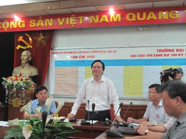 Bộ trưởng làm việc tại Hội đồng thi trường ĐH Thủy Lợi