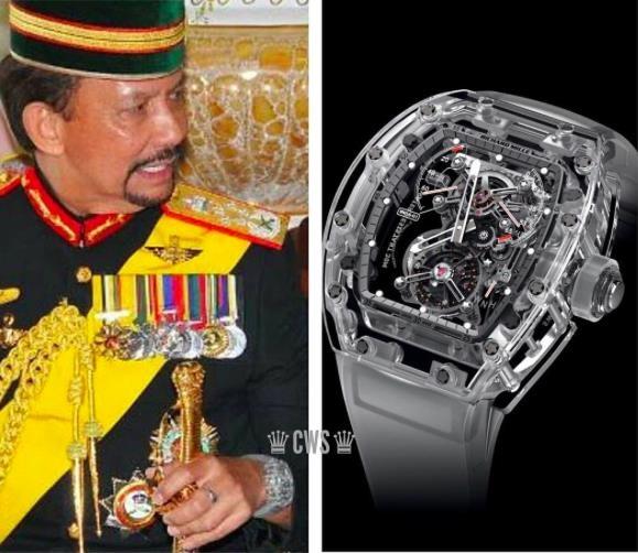 Quốc vương Brunei Haji Hassanal Bolkiah sở hữu Richard Mille RM56-01 Tourbillion Sapphire bản giới hạn chỉ 5 chiếc trên toàn thế giới, trị giá khoảng hơn 2 triệu USD.