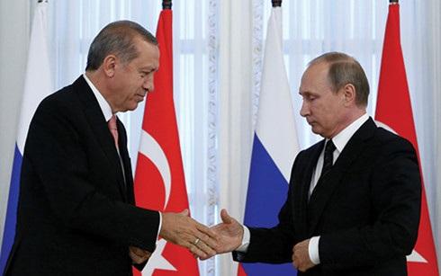 Mối quan hệ ấm dần giữa Nga và Thổ Nhĩ Kỳ khiến phương Tây lo ngại. (Ảnh: arabamericannews)
