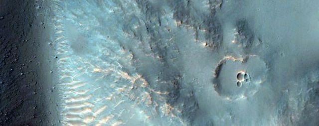 NASA công bố hơn 1000 bức ảnh mới nhất chụp từ sao Hỏa - 3