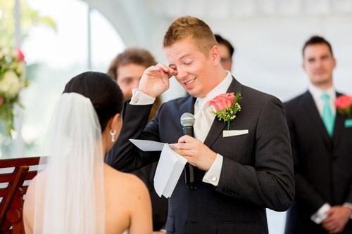 Giám đốc sáng tạo Microsoft xúc động trong lễ cưới