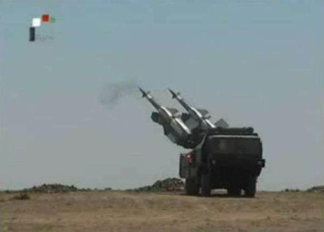 Tổ hợp phóng tên lửa phòng không tự hành S-125-2M Pechora -2M