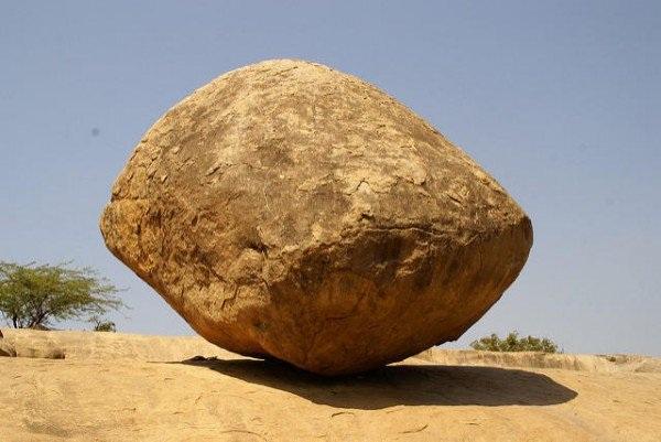 """Hòn đá khổng lồ kỳ lạ """"thách thức"""" quy luật tạo hóa - 3"""
